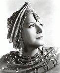 "Романтика широкополой шляпки.  Грета Гарбо в образе девушки  ""Серебряного..."